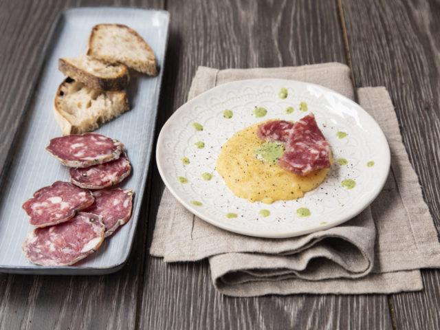 SALAME DI VARZI DOP e quenelle di polenta con crema di scarola