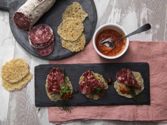 SALAME BRIANZA DOP con cialde di Grana Padano al finocchietto e menta
