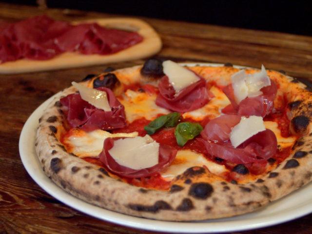 PIZZA con BRESAOLA DELLA VALTELLINA IGP