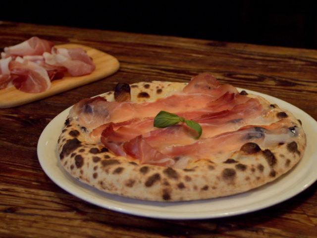 PIZZA con SPECK ALTO ADIGE IGP